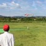 畑田さん、秋空の中、静演技と上空の練習風景
